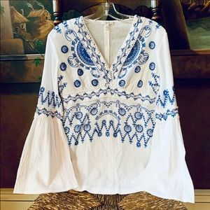 ✨💙Cache Blue and White Embroidered Boho Top✨ XS🌟